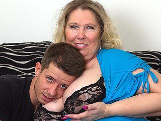 Huge Breasted Bbw Fucking And Sucking Her Boyfriend - MatureNL