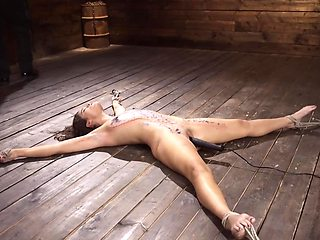 Submissive girl in bondage is up to get used by a hunk