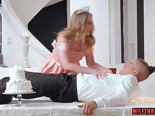 Hot mom threesome and cumshot