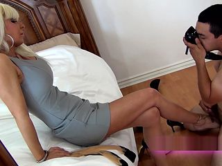 Mommy Mistress shoe sniffing foot worship femdom