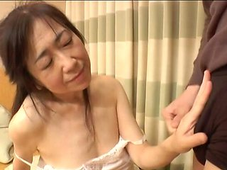 Amateur Asian girlfriend opens her legs to be fucked balls deep