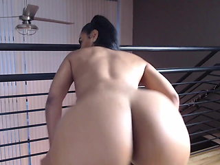 desire a black fat ass slut that twerks