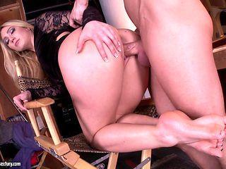 Big booty blonde AJ Applegate gets her feet banged