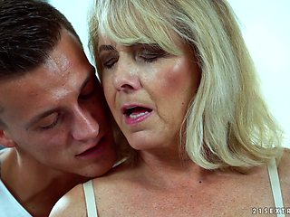Sexy granny Jana Nelle has an affair with young dude living nextdoor
