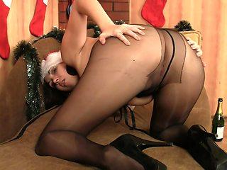 Leggy Princess Nylon Pantyhose Masturbation