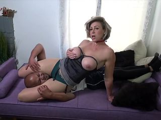 Nylon Scissoring & Facesitting Fun