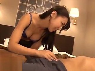 Japanese massage with beauty in pantyhose turns in sex