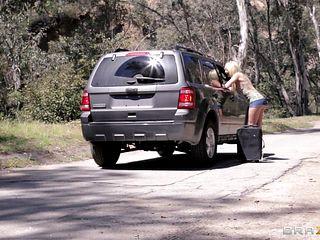 slutty blonde sucking cock in car