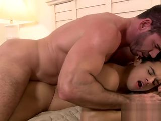 Muscle mature gay fucking a cute twink