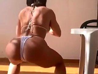 Yaela work out