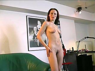 Solo Milf- Julia Reaves