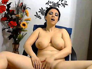 Sweet Turkish Big Titted Camgirl Masturbation