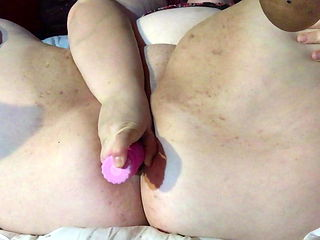 My horny squirting milky fat pussy