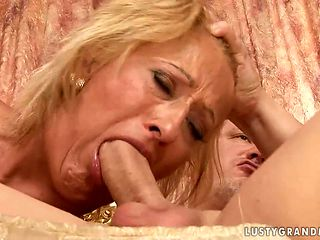 Mature asks her fuck buddy to shove his throbbing love wand in her mouth