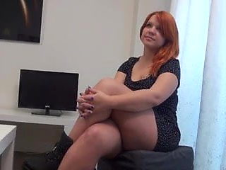 Aroa can fist her own pussy and loves doing threesomes with