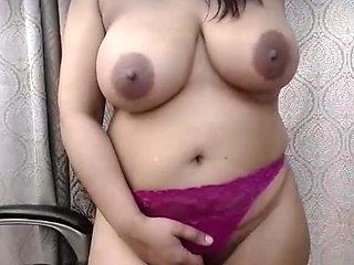 Indian mom xxx boobs part(3)