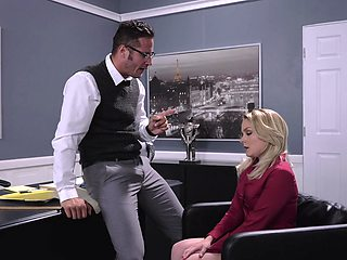 Blonde secretary Lisey Sweet drops on her knees as a punishment