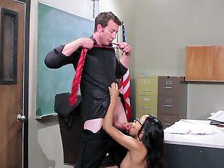 Randy school teacher wants some love from his favorite class pet