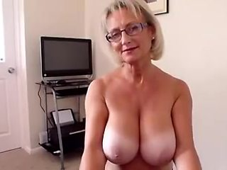 Big boobs mature handjob