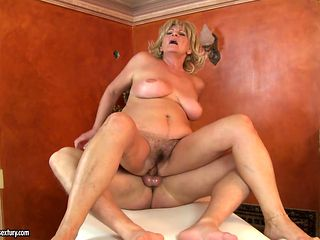 Mature with gigantic breasts wants mans sausage to fuck her mouth