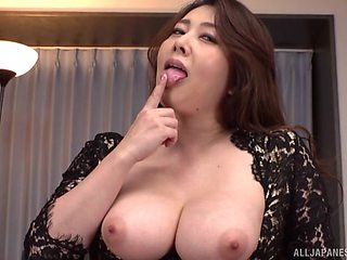 Kazama Yumi is on the casting so she wants to show her fucking skills
