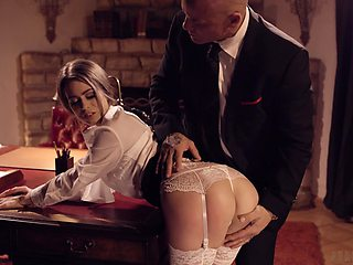 Young secretary in stockings Jill Kassidy seduces married boss and bangs him on the table