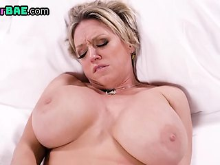 Hugetit milf squirts while playing with shaved pussy