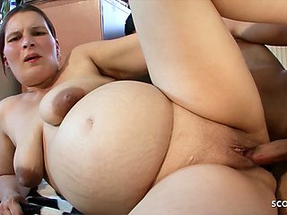 Ugly Saggy Tits Mom Seduce Young Skinny Guy to Fuck her
