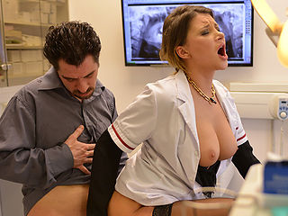 Dentist Anna Polina anal sex with her patient