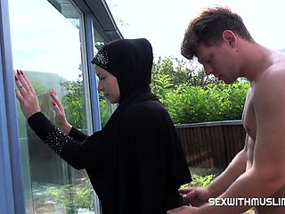 CZECH MAID LICKY LEX SATISFIES HER BOSS