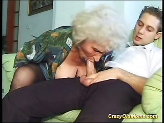 Cray old mom gets fucked hard