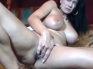 Big tits on squirting Milf