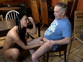 Old woman squirt and daddy proud Can you trust your gf leavi