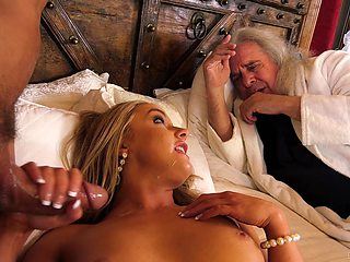 Sweet blonde pornstar Kate Kennedy takes a massive cum in mouth