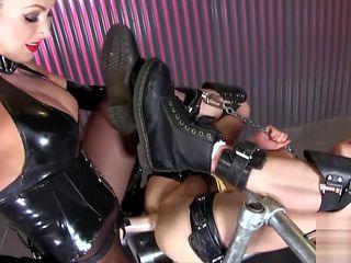 Strapon Mistress 2