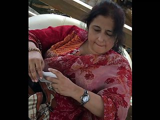 Desi Cheating Wife Shahnaz Hussaini Caught Naked by her Student