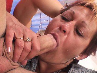 Hot grandma pleases her neighbour