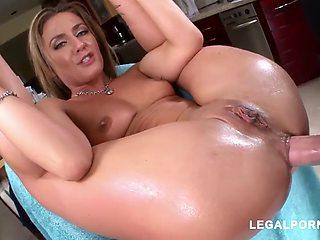 Sheena anal babe