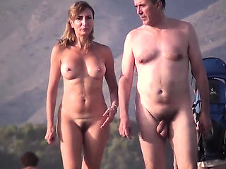 Hot Amateurs Voyeur Nudist On Public Beach Video