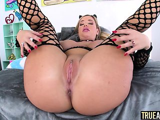 TRUE ANAL Savannah Bond is back for more anal fun
