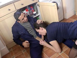 English cougar pounded by tradesman