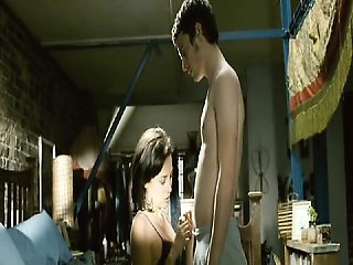 Leonor Watling showing her nice breasts as she has sex with