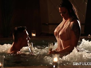 Sexy babe named Simony Diamond enjoys oral petting in the pool