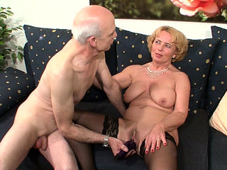 Grandma and Grandpa at Porn Casting because need Cash German
