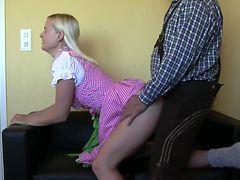 BlondeHexe exklusiv - Dirndl nach Oktoberfest gefickt