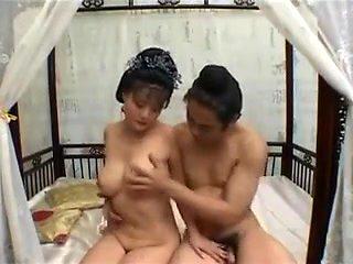 Chinese beauty horny MILF