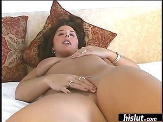 Curvy lisa plays with her shaved pussy