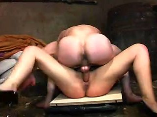 Sexy french brunette does sensual blowjob to her lover