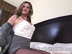 E.m latin babe mother i'd like to fuck bouncing on bbc