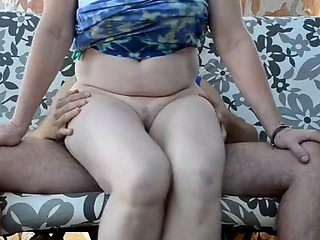 She blew him in blue (mature cougar cocksucking outdoors)